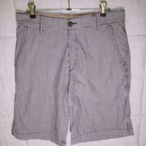 🍷3 for $12🍷VINTAGE SEARSUCKER PINSTRIPE SHORTS